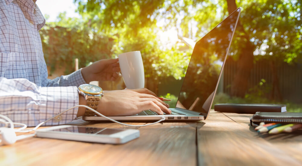 Going Paperless: The Benefits and Some Tips!