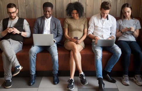 How to Use Technology to Engage Millennials in the Workplace